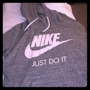 This is a nike sweatshirt maybe only worn 3x